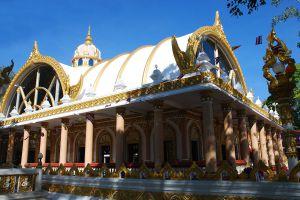 Wat-Phrathat-Nong-Bua-Ubon-Ratchathani-Thailand-02.jpg