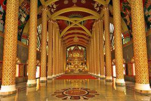 Wat-Phrathat-Nong-Bua-Ubon-Ratchathani-Thailand-04.jpg