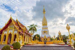 Wat-Phrathat-Renu-Nakhon-Phanom-Thailand-03.jpg