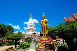 Wat-Phrathat-Renu-Nakhon-Phanom-Thailand-04.jpg