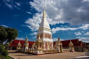 Wat-Phrathat-Renu-Nakhon-Phanom-Thailand-06.jpg