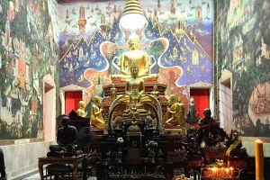 Wat-Phrom-Rangsi-Lopburi-Thailand-06.jpg