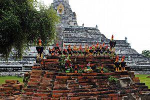 Wat-Phu-Khao-Thong-Ayutthaya-Thailand-002.jpg