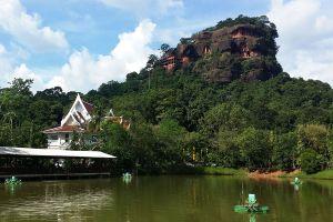 Wat-Phu-Tok-Bueng-Kan-Thailand-05.jpg