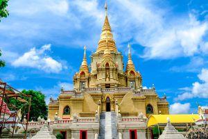 Wat-Phutthathiwat-Yala-Thailand-04.jpg