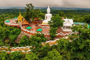 Wat-Phutthawat-Phu-Sing-Kalasin-Thailand-01.jpg