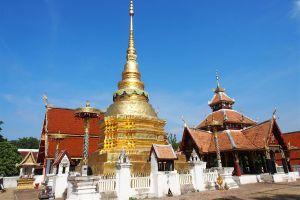 Wat-Pong-Sanuk-Lampang-Thailand-01.jpg