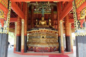 Wat-Pong-Sanuk-Lampang-Thailand-06.jpg