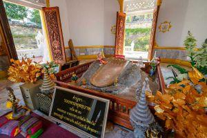 Wat-Pra-Putthabat-Phu-Kwai-Ngoen-Loei-Thailand-08.jpg