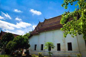 Wat-Pradu-Songtham-Ayutthaya-Thailand-01.jpg