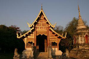 Wat-Prasat-Chiang-Mai-Thailand-002.jpg