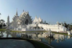 Wat-Rong-Khun-Chiang-Rai-Thailand-004.jpg