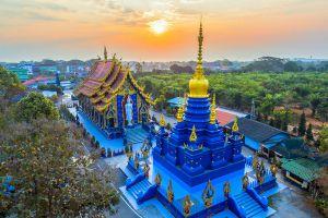 Wat-Rong-Suea-Ten-Blue-Temple-Chiang-Rai-Thailand-02.jpg