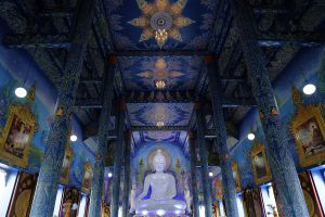Wat-Rong-Suea-Ten-Blue-Temple-Chiang-Rai-Thailand-05.jpg
