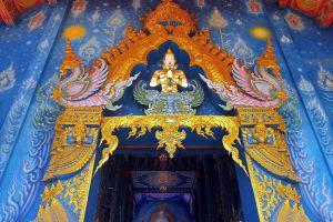 Wat-Rong-Suea-Ten-Blue-Temple-Chiang-Rai-Thailand-07.jpg