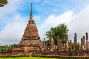 Wat-Sa-Si-Sukhothai-Thailand-01.jpg