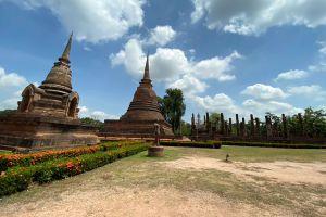 Wat-Sa-Si-Sukhothai-Thailand-04.jpg