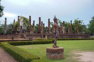Wat-Sa-Si-Sukhothai-Thailand-06.jpg