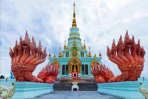 Wat-Saen-Suk-Sutthiwararam-Chonburi-Thailand-02.jpg