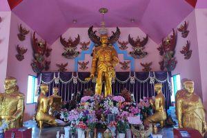 Wat-Saen-Suk-Sutthiwararam-Chonburi-Thailand-03.jpg