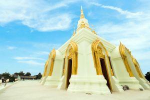 Wat-Saen-Suk-Sutthiwararam-Chonburi-Thailand-07.jpg