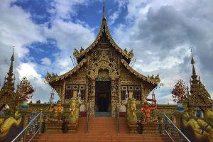 Wat-Saeng-Kaeo-Phothiyan-Chiang-Rai-Thailand-01.jpg