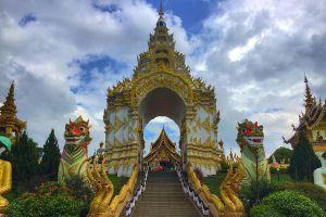 Wat-Saeng-Kaeo-Phothiyan-Chiang-Rai-Thailand-04.jpg