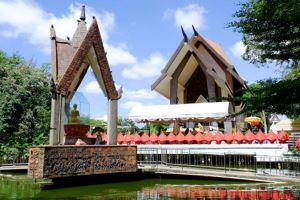 Wat-Sala-Loi-Nakhon-Ratchasima-Thailand-05.jpg