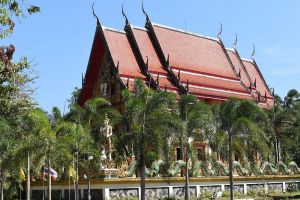 Wat-Salak-Petch-Koh-Chang-Trat-Thailand-01.jpg