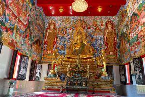 Wat-Salak-Petch-Koh-Chang-Trat-Thailand-05.jpg