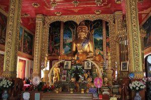 Wat-San-Pa-Yang-Luang-Lamphun-Thailand-02.jpg