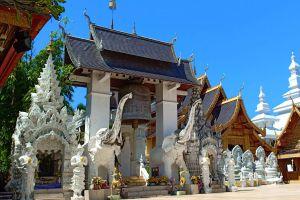 Wat-San-Pa-Yang-Luang-Lamphun-Thailand-03.jpg