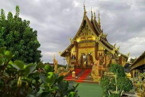 Wat-Sawang-Hua-Na-Kham-Kalasin-Thailand-01.jpg