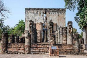 Wat-Si-Chum-Sukhothai-Thailand-05.jpg