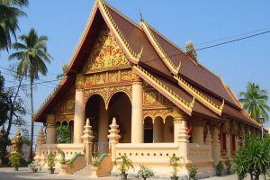 Wat-Si-Muang-Vientiane-Laos-002.jpg