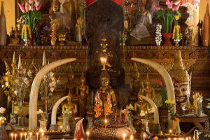 Wat-Si-Muang-Vientiane-Laos-003.jpg