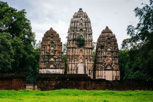 Wat-Si-Sawai-Sukhothai-Thailand-02.jpg