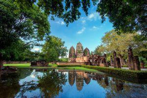 Wat-Si-Sawai-Sukhothai-Thailand-04.jpg
