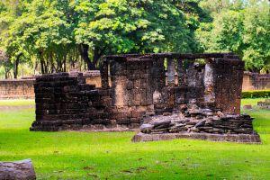 Wat-Si-Sawai-Sukhothai-Thailand-05.jpg