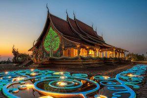 Wat-Sirindhorn-Wararam-Phu-Phrao-Temple-Ubon-Ratchathani-Thailand-02.jpg