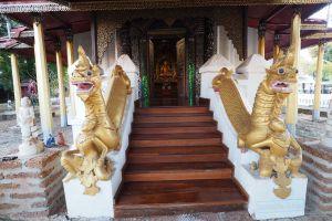 Wat-Sri-Chum-Lampang-Thailand-05.jpg