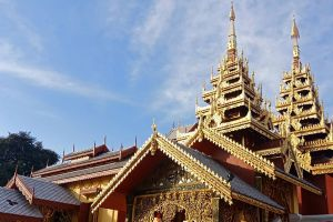 Wat-Sri-Chum-Lampang-Thailand-06.jpg