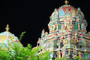 Wat-Sri-Maha-Uma-Devi-Mariamman-Temple-Bangkok-Thailand-004.jpg