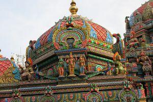 Wat-Sri-Maha-Uma-Devi-Mariamman-Temple-Bangkok-Thailand-005.jpg