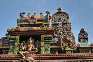 Wat-Sri-Maha-Uma-Devi-Mariamman-Temple-Bangkok-Thailand-007.jpg