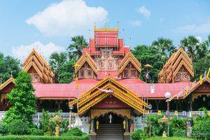 Wat-Sri-Rong-Muang-Lampang-Thailand-06.jpg