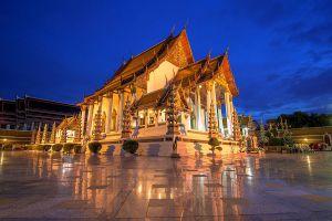 Wat-Suthat-Thepwararam-Ratchaworamahawihan-Bangkok-Thailand-01.jpg