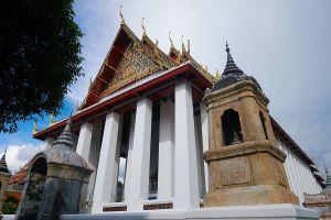 Wat-Suthat-Thepwararam-Ratchaworamahawihan-Bangkok-Thailand-06.jpg