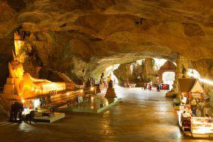 Wat-Suwan-Kuha-Phang-Nga-Thailand-001.jpg