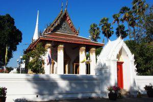 Wat-Suwandararam-Ratchaworawihan-Ayutthaya-Thailand-01.jpg